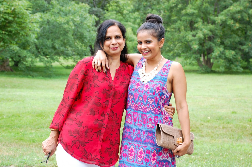 Mom&Me_LovePlayingDressupjpg