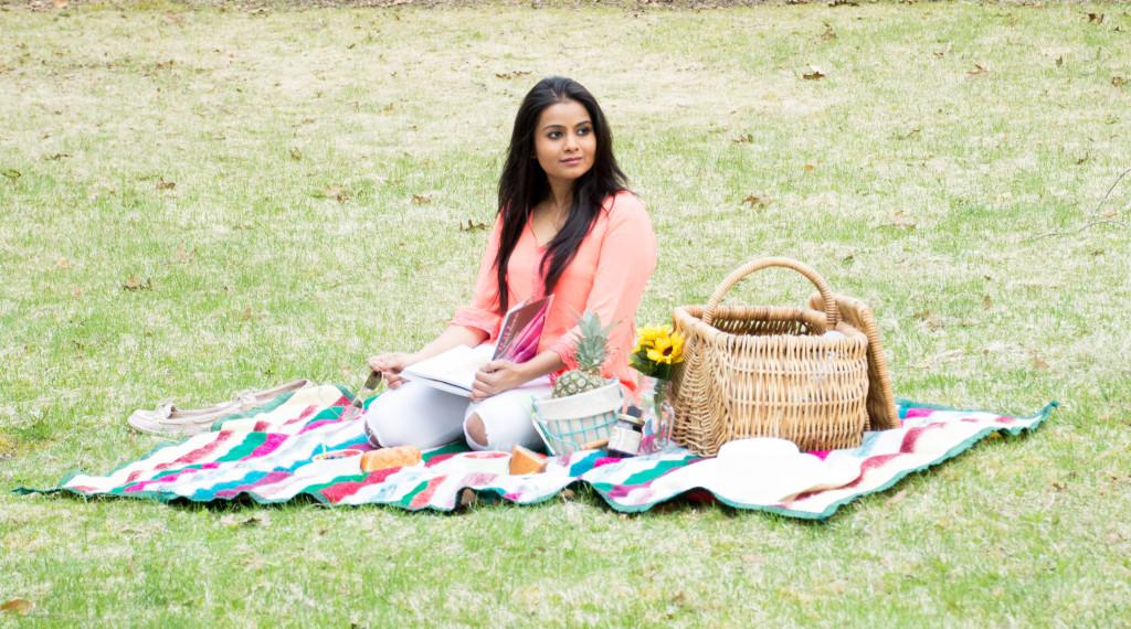 LovePlayingDressup_NehaGandhi_Yard_picnic_OOTD-15