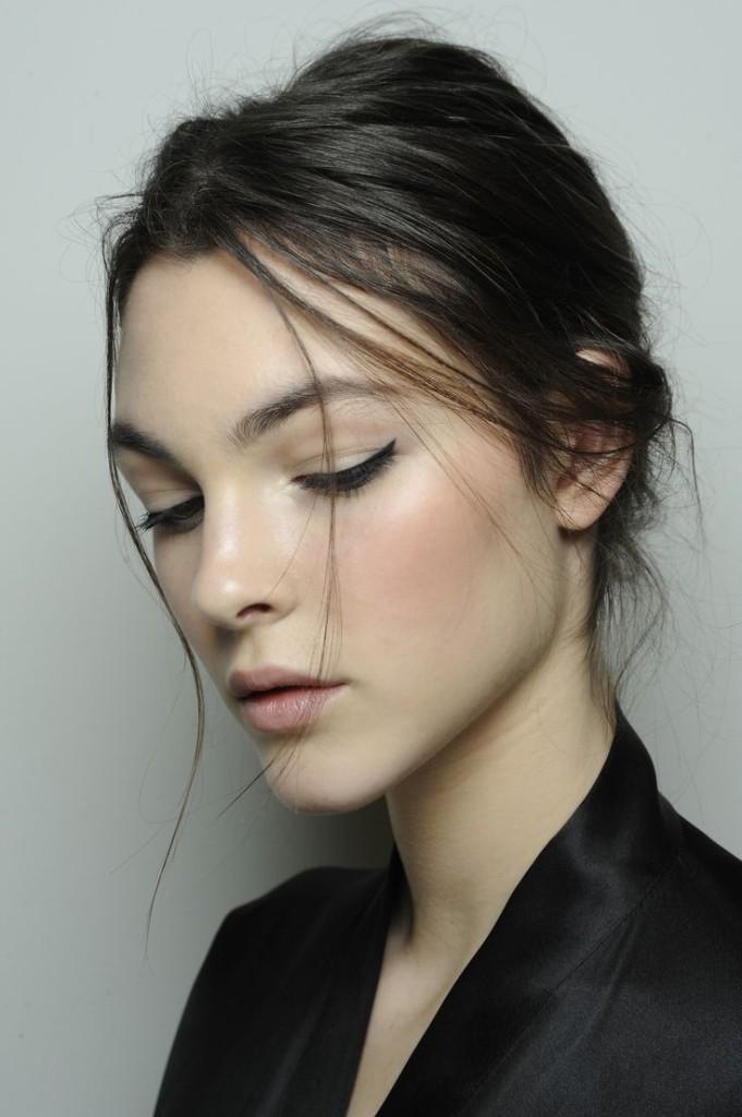 Simple Makeup Flawless1