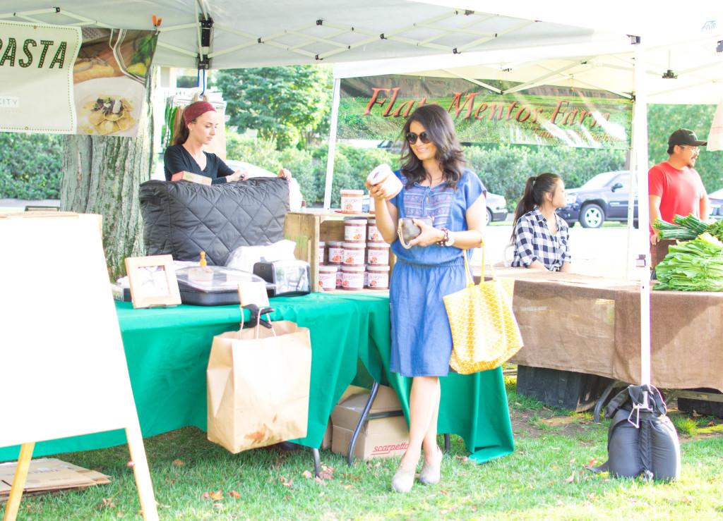Neha-Gandhi-farmers-market-ootd-12