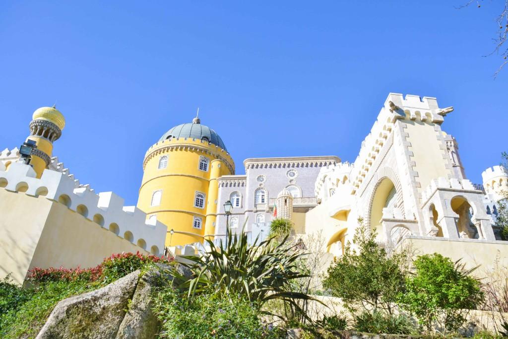 love-playing-dressup-Sintra-Portugal-Travelogue-WilsonLeather-neha-gandhi-Blogger-FurVest-TravelStyle-MukLuks-OOTD13