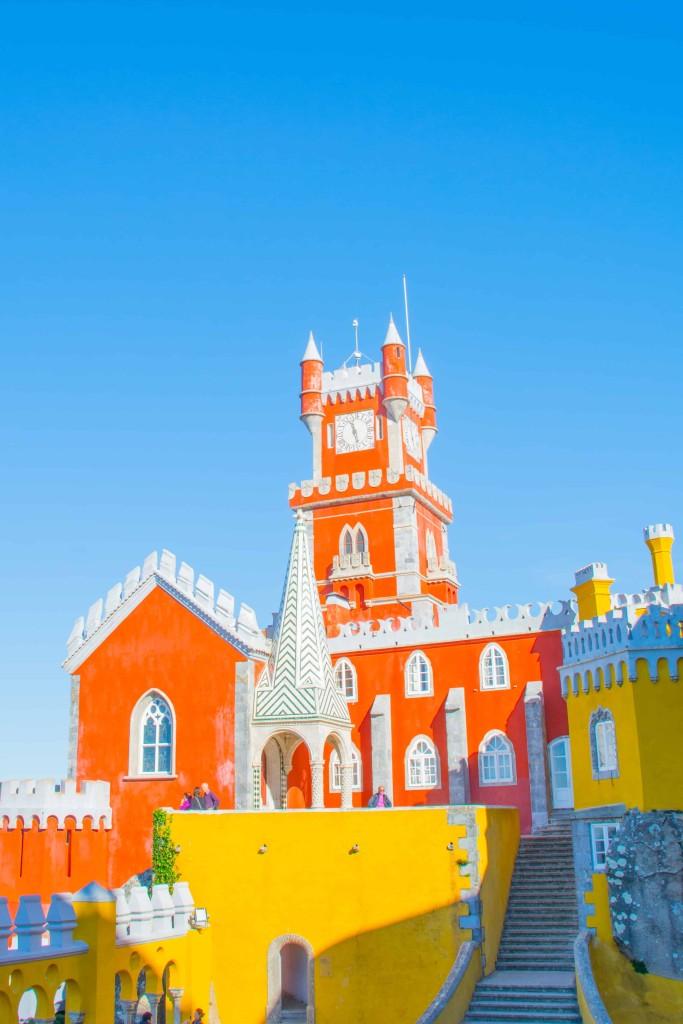 love-playing-dressup-Sintra-Portugal-Travelogue-WilsonLeather-neha-gandhi-Blogger-FurVest-TravelStyle-MukLuks-OOTD15
