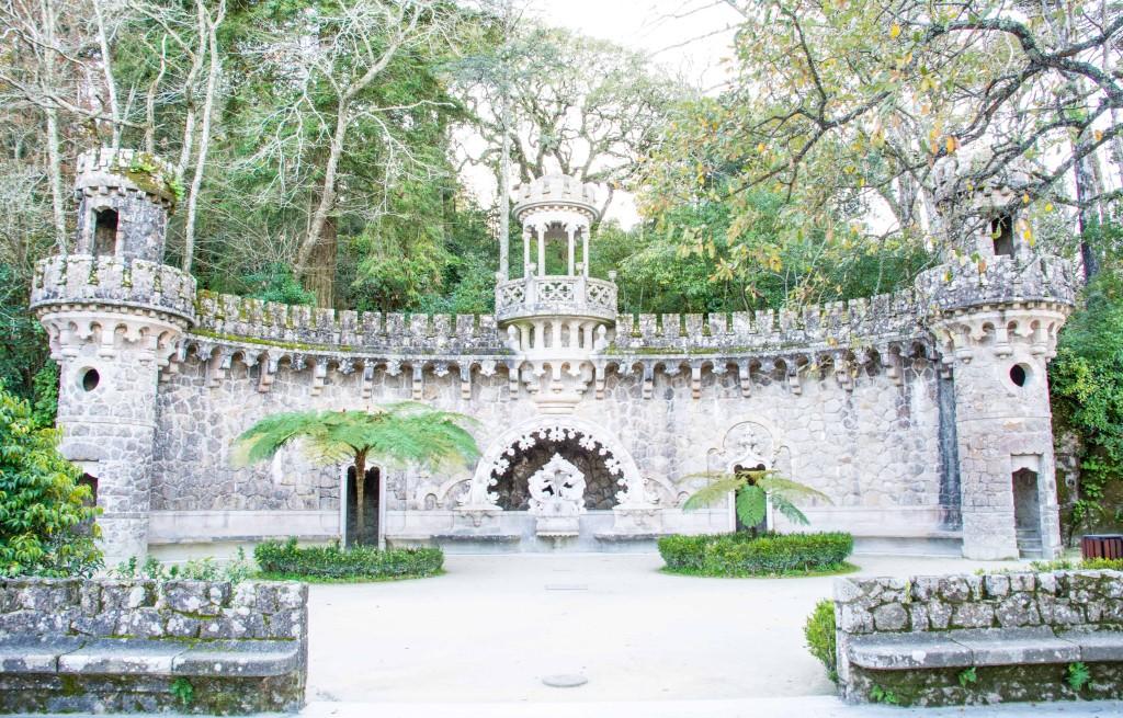 love-playing-dressup-Sintra-Portugal-Travelogue-WilsonLeather-neha-gandhi-Blogger-FurVest-TravelStyle-MukLuks-OOTD18