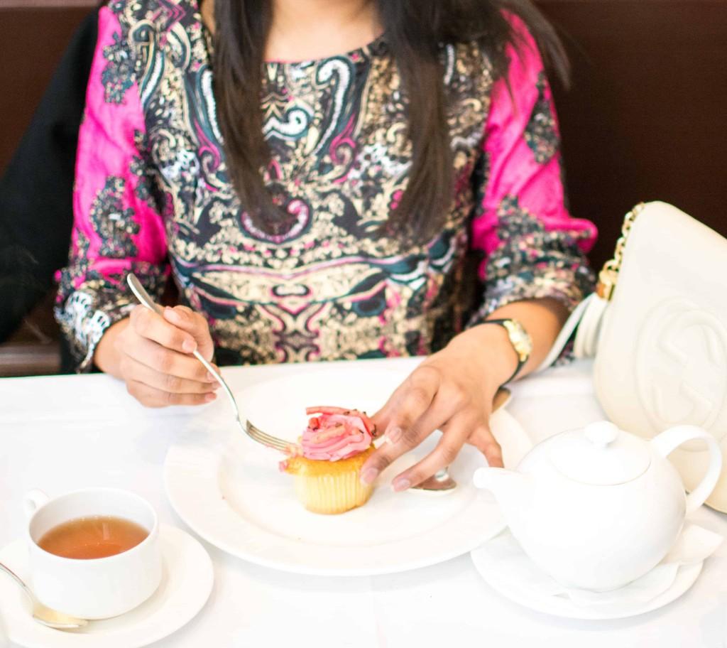LovePlayingDressup-Langham-cafe-fleuri-shein-brocade-neha-gandhi-19