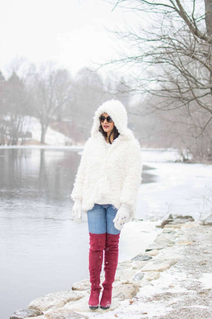LovePlayingDressup-freepeople-FuzzyCoat-Snow-Photoshoot-Boston-OOTD-OTKboots-fedora.13