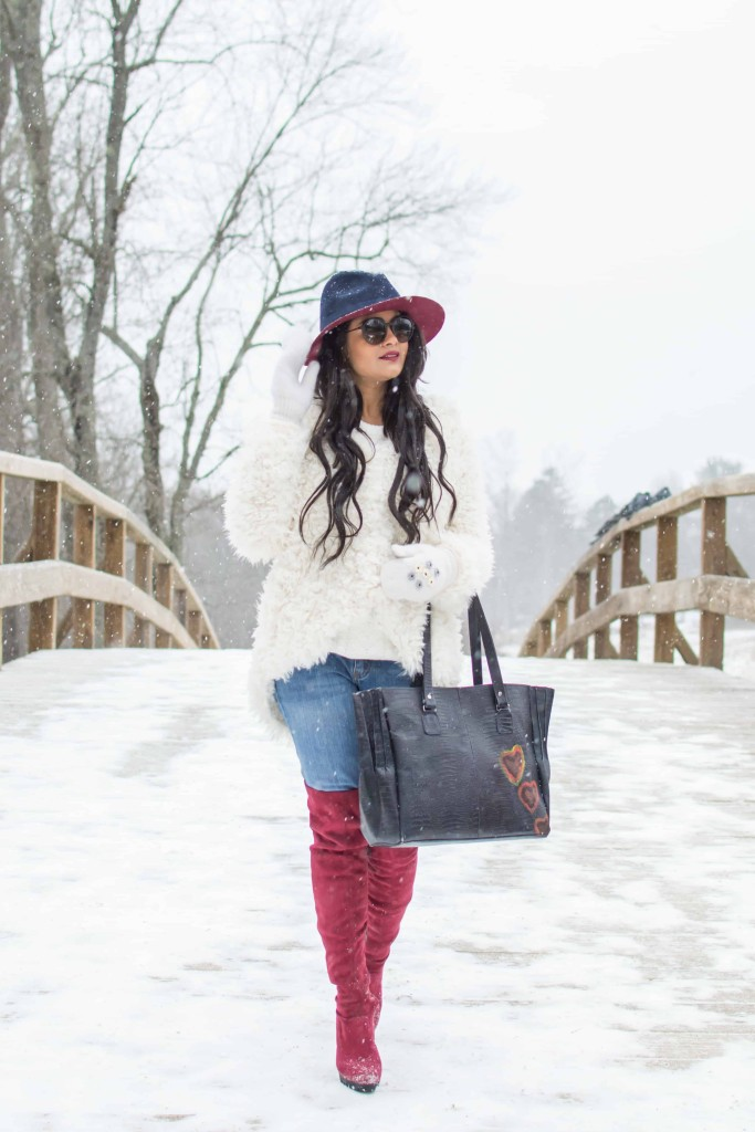 LovePlayingDressup-freepeople-FuzzyCoat-Snow-Photoshoot-Boston-OOTD-OTKboots-fedora.4