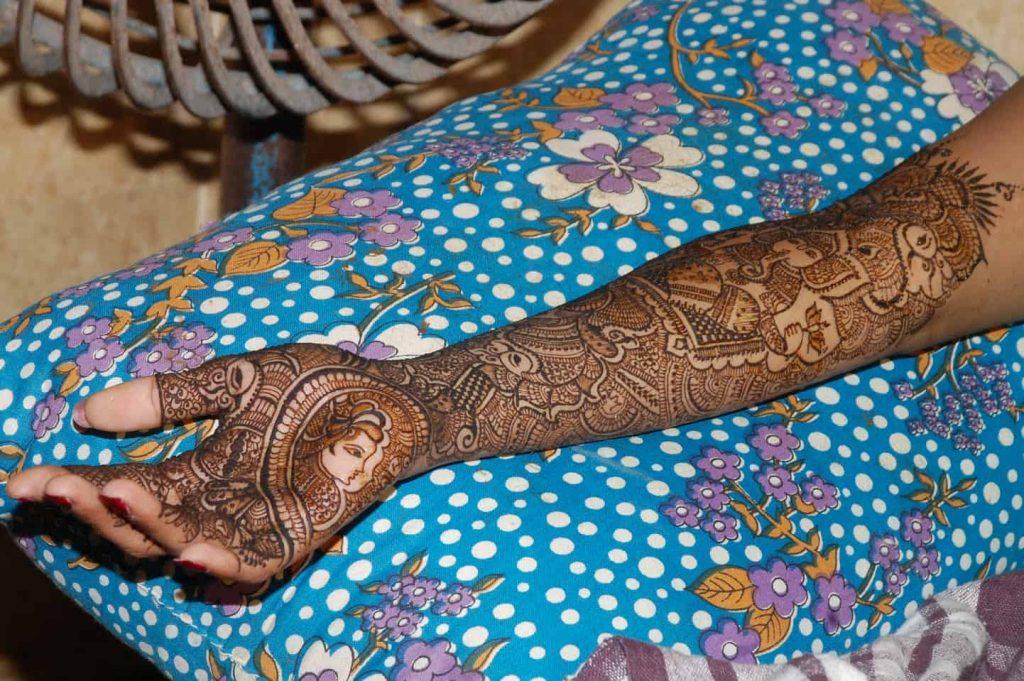 LOVEPLAYINGDRESSUP-Neha-Gandhi-Marriage-Anniversary-14