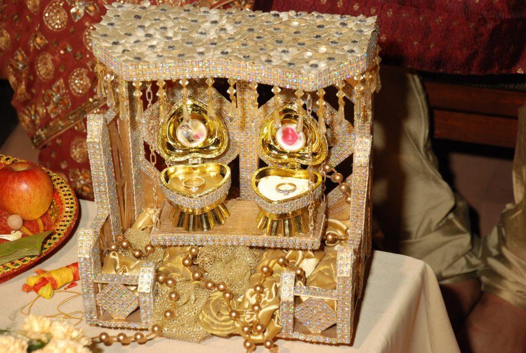 LOVEPLAYINGDRESSUP-Neha-Gandhi-Marriage-Anniversary-18