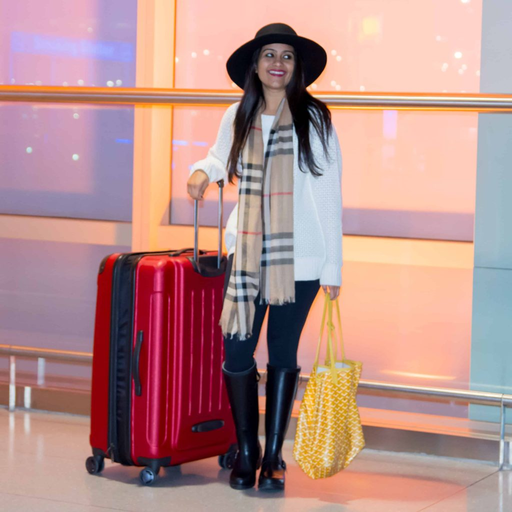 loveplayingdressup-airport-1